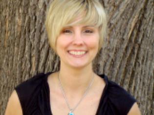Lyndsey Fraser , MA, LAMFT