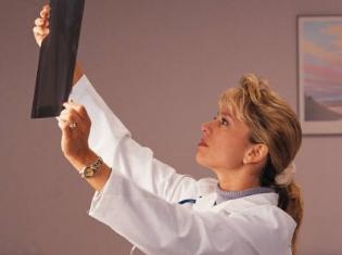 Radiologists Identify, Treat Self-Injuring Teens