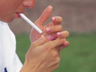 Cigarette? Oui, S'il Vous Plaît
