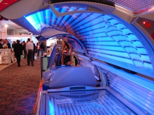Cancer Risks for Tanning Teens