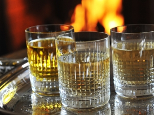 Heavy Drinking Could Harm Memory Later