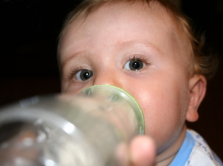 Overfeeding Infants Linked to Obesity