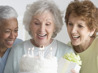 Onset Age of Alzheimer's may Predict Symptoms