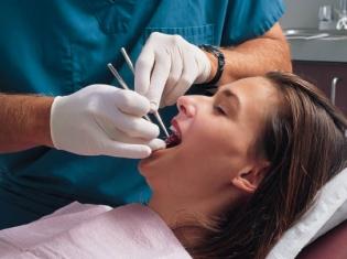 Dentist Visit OK For Joint Implant Patients