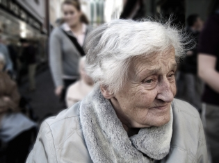 Vitamin D May Lower Alzheimer's Risk