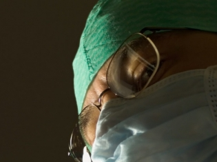 Doctors May Raise Blood Pressure More Than Nurses