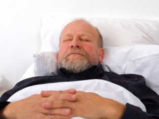 How Seniors' Sleep Patterns Affect the Brain