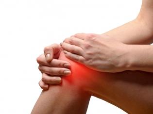 Shots May Trump Pills for Knee Arthritis Pain