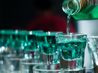 Communities Could Curb Binge Drinking