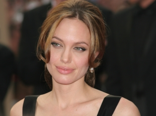 Celebrity Survivors of Breast Cancer: Angelina Jolie