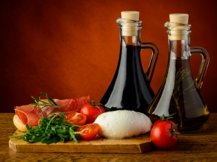 Mediterranean Diet May Fight Heart and Diabetes Risks