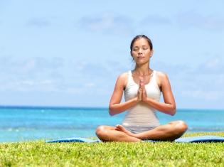 Meditation and Yoga May Ease Breast Cancer Anxiety