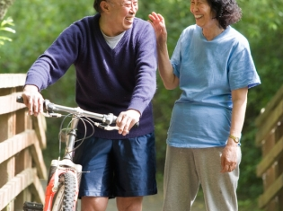 Brain-Fitness Programs May Aid Elderly with Walking