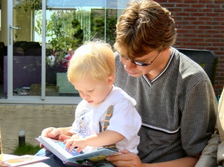 AAP Issues Statement on Helping Children Learn to Read
