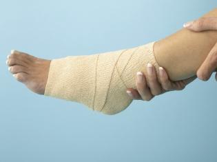 Dressing Diabetic Foot Ulcers
