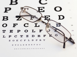 Blurry Vision Left Untreated in Many Diabetes Patients