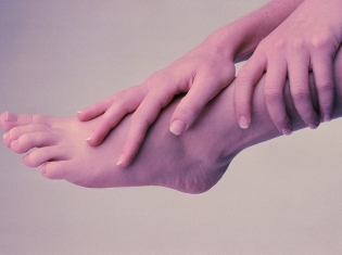 Hand, Foot Massages Provide Consolation for the Bereaved