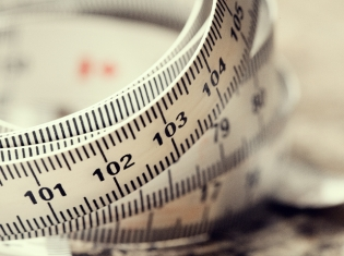 Big Waist Size May Mean Trouble Even at Healthy Weight