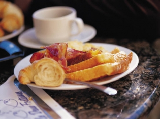 Fight Obesity by Eating Breakfast