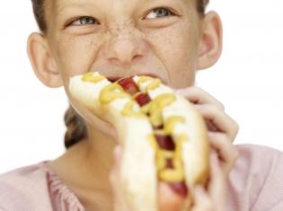 Is Fast Food Flaring Kids' Allergies?
