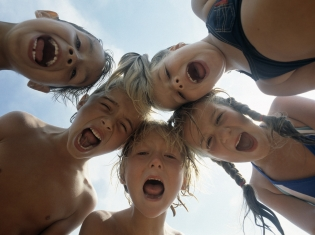 Kids Misbehaving Years After Mom Lit Up