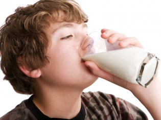 Skim Milk May Not Do a Kid's Body Better