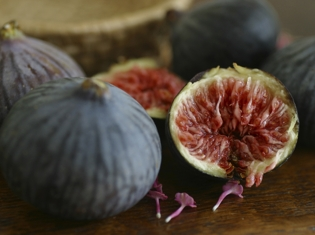 Dried Fruits Meet Fresh Fruits