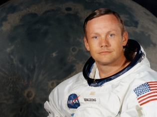Original Moon-Walker, Neil Armstrong, Dies