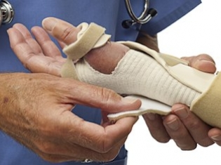 Wrist Fractures May Increase Risk of Hip Fractures