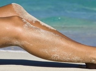Teens Seemed to Fear Wrinkles More Than Skin Cancer