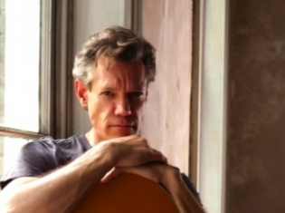 Country Music Star Randy Travis has Brain Surgery for Stroke