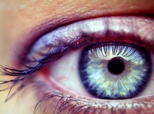 Macular Degeneration May Affect Younger Age Group